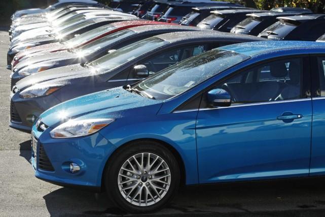 Le groupe automobile américain Ford a annoncé mercredi qu'il allait racheter... (PHOTO CHARLES KRUPA, ASSOCIATED PRESS)