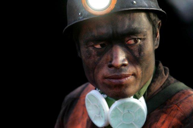 En 2012, les mines de charbon chinoises ont... (Photo Archives AFP)