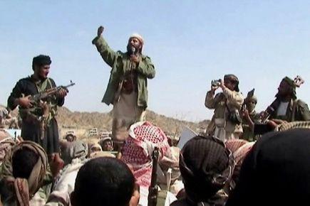 Des hommes se réclamant d'Al-Qaïda réunis dans le... (Photo d'archives Agence France-Presse)