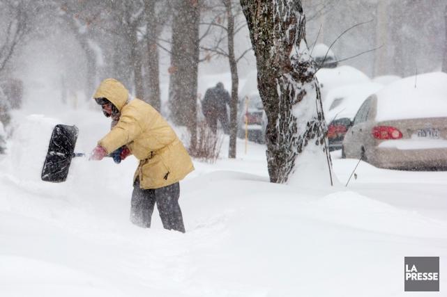 Près de 15 centimètres de neige tomberont entre... (Archives La Presse, Robert Skinner)