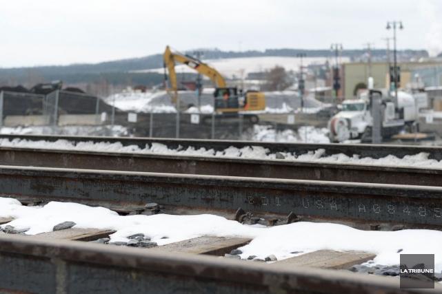 Le transport ferroviaire a repris le mois dernier... (Imacom, Julien Chamberland)