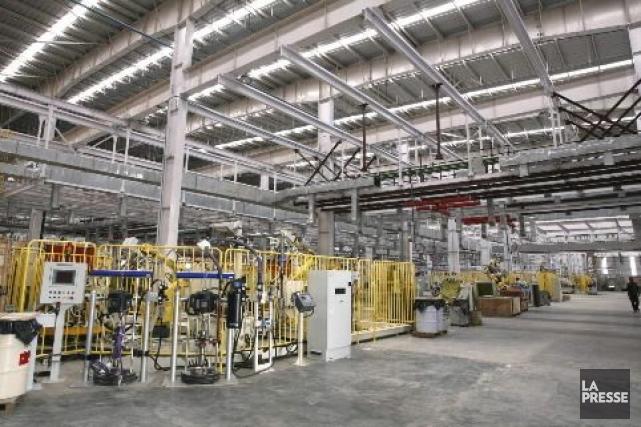 Légère baisse des ventes des fabricants canadiens en... (Photo Archives La Presse)