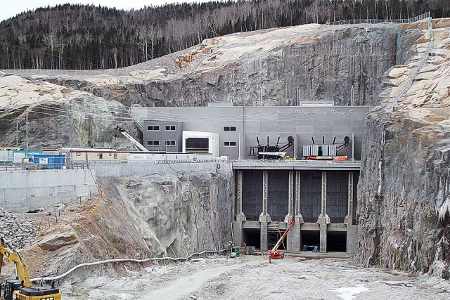 La centrale Romaine-2, la plus puissante des quatre... (Photo fournie par Hydro-Québec)