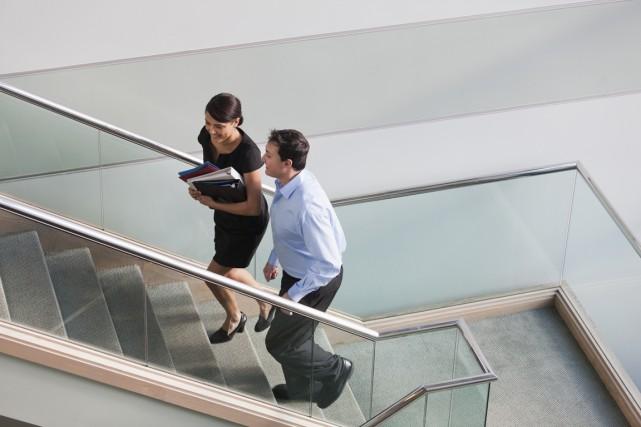 L'étude conclut que les jeunes travailleurs gagnent moins... (Photo Getty Images)