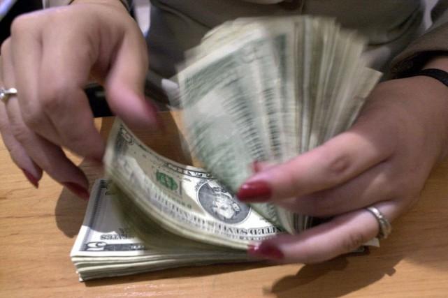 Les États-Unis ont enregistré un excédent budgétaire de 53 milliards de dollars... (PHOTO LUIS ROMERO, ARCHIVES ASSOCIATED PRESS)