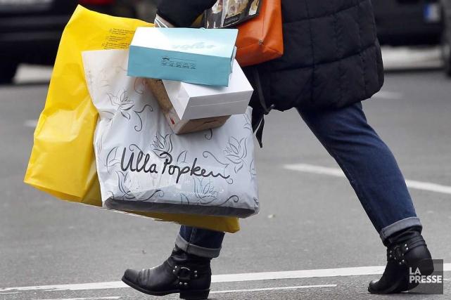 Les ventes au détail ont progressé de 0,6 % en novembre pour atteindre 41... (Photo AFP)