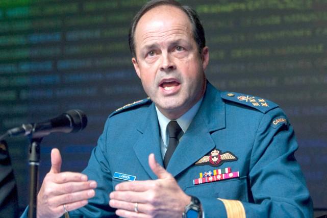 Le général Tom Lawson.... (La Presse Canadienne)