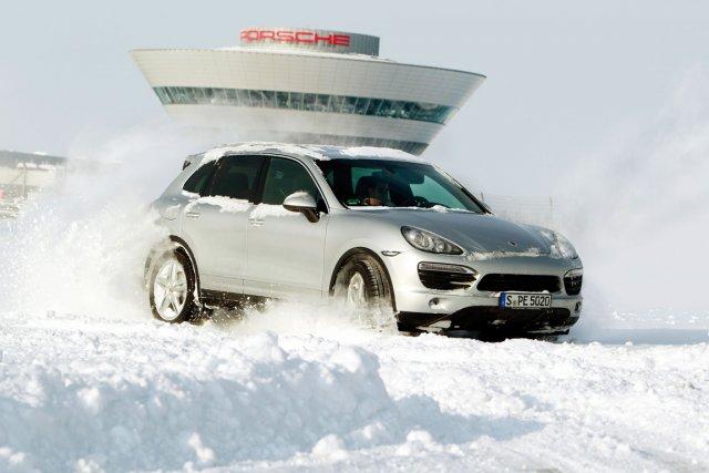 Conduire un Porsche Cayenne dans la neige se... (Fournie par Porsche)