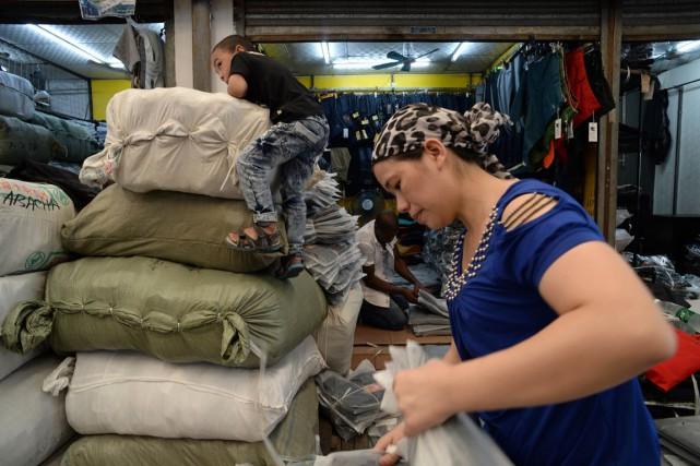 «La demande intérieure a considérablement ralenti», a commenté... (Photo AFP)