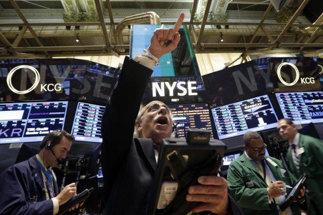 Avec la forte poussée des marchés boursiers, un... (Photo AP)