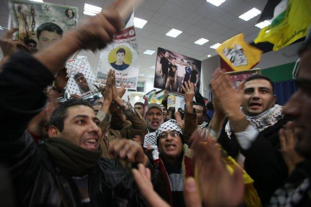 La libération du quatrième et dernier contingent de... (Photo ABBAS MOMANI, AFP)