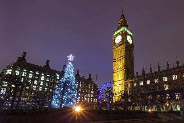 Le parlement et ses décorations des Fêtes.... (Photo Digital Vision/Thinkstock)