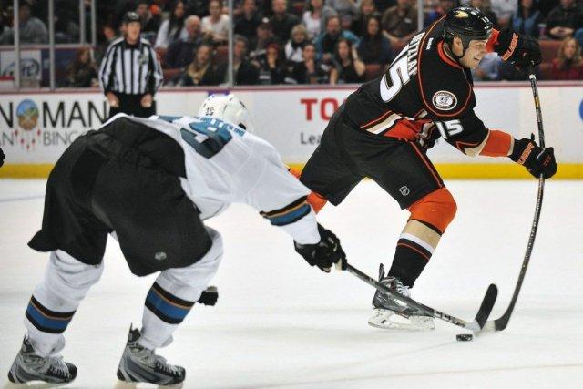 Ryan Getzlaf a récolté son 20e but de la saison pour aider les Ducks d'Anaheim... (Photo USA Today Sports)