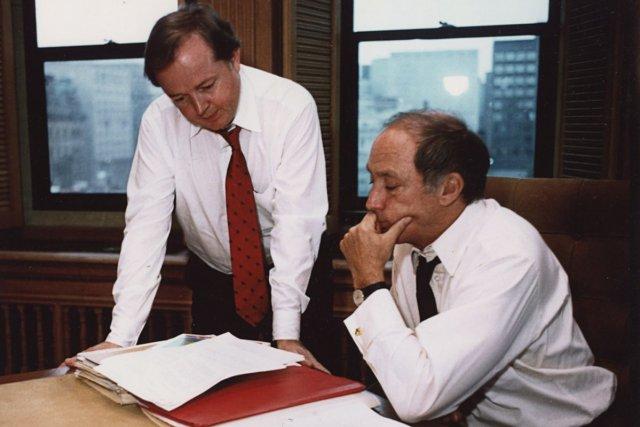 Jim Coutts (à gauche) était premier secrétaire du... (Photo archives PC)