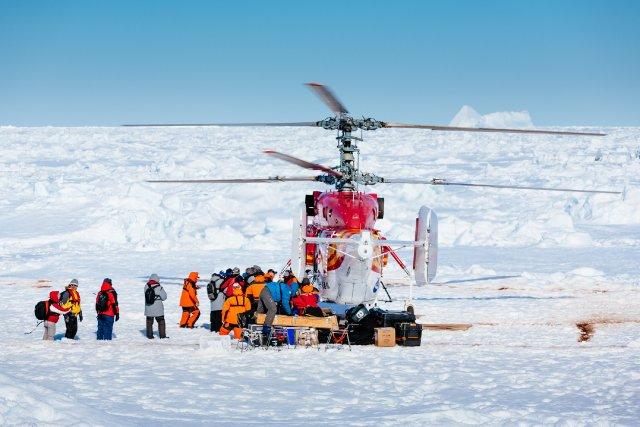 Tous les passagers du navire bloqué en Antarctique... (Photo Andrew Peacock, AFP)