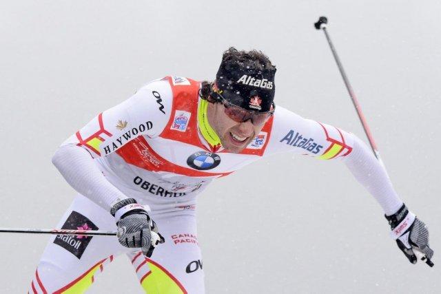 Alex Harvey, vainqueur du prologue samedi dernier et... (Associated Press)