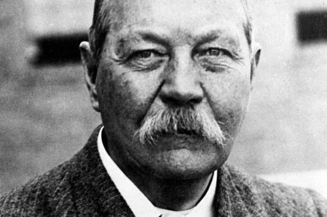 Arthur Conan Doyle... (Photo archives AP)