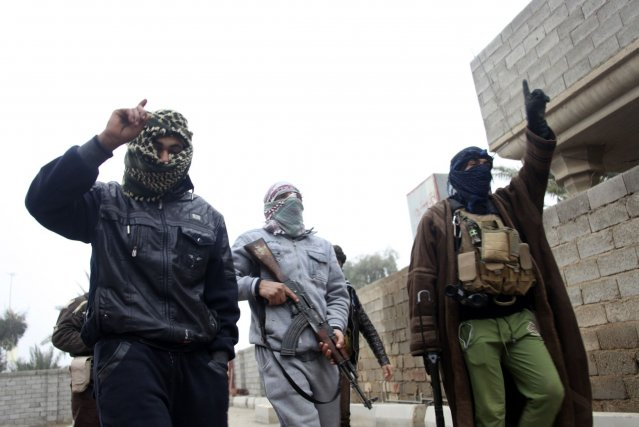 Les combats avaient éclaté lundi à Ramadi, après... (Photo Reuters)