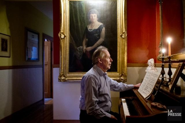 Louis Lavigueur dirige à Montréal quatre orchestres et... (PHOTO MARCO CAMPANOZZI, LA PRESSE)