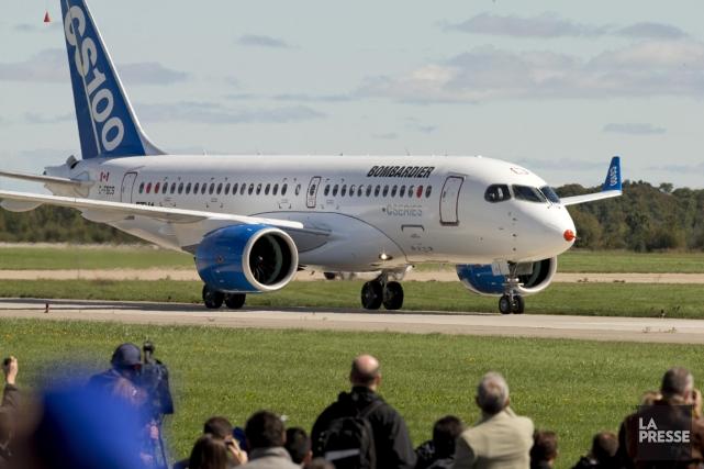 Le premier CS100 a effectué son vol inaugural... (Photo Alain Roberge, archives La Presse)