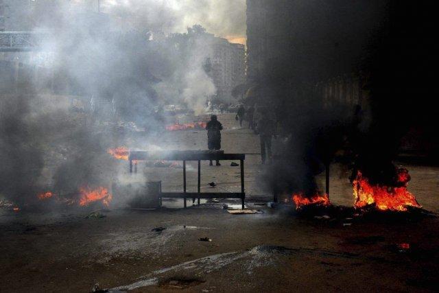 Les heurts se sont multipliés dans des secteurs... (Photo Heba Khamis, AP)
