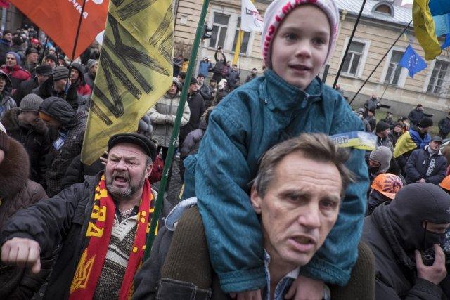 L'Ukraine est le théâtre depuis le 21 novembre... (Photo GLEB GARANICH, Reuters)