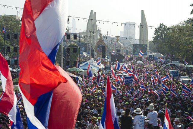 Les opposants au gouvernement, qui ont réuni jusqu'à... (Photo PORNCHAI KITTIWONGSAKUL, AFP)
