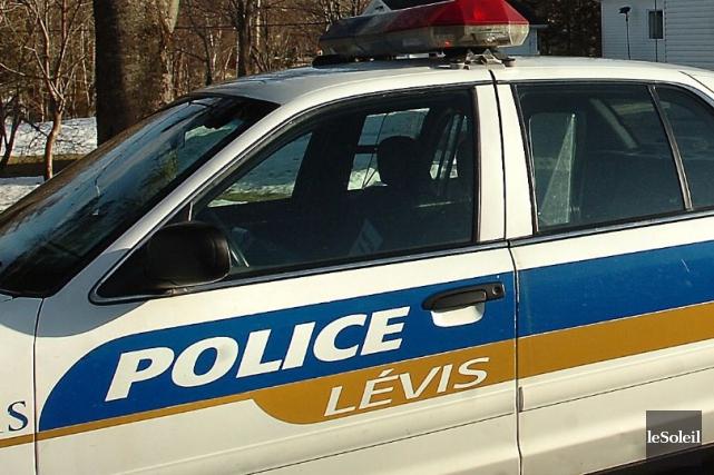 Un piéton a été happé par une voiture jeudi midi à Lévis, devant le 5500,... (Photothèque Le Soleil)