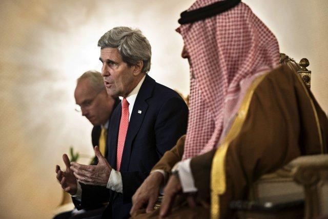 Le secrétaire d'État américain, John Kerry,est sorti ragaillardi... (Photo Brendan Smialowski, Reuters)