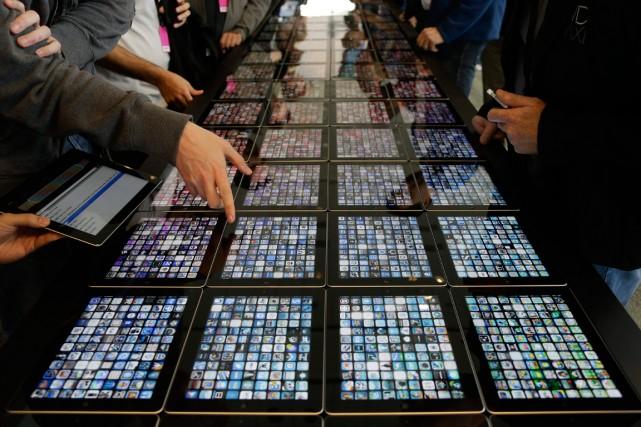Les ventes mondiales de tablettes devraient grimper à... (Photo archives Associated Press)