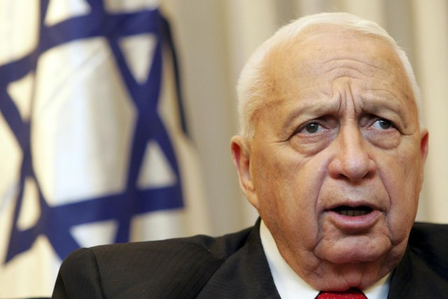 L'ex-premier ministre israélien, Ariel Sharon.... (PHOTO ARCHIVES REUTERS)