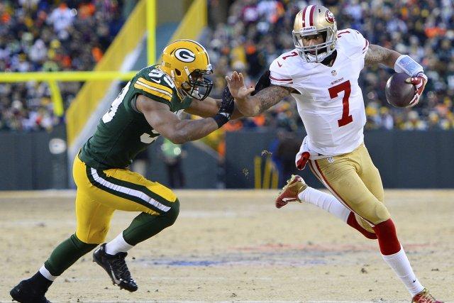 Le quart-arrière des 49ers de San Francisco, Colin... (Photo Mike Dinovo, USA Today)