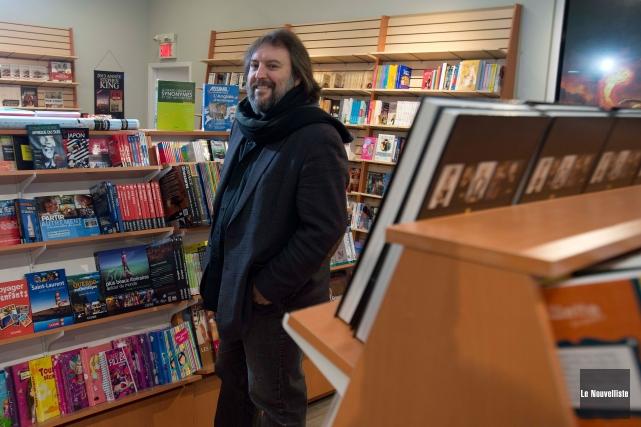 Bryan Perro qui cherchait un nouvel emplacement pour... (Photo Sylvain Mayer, Le Nouvelliste)