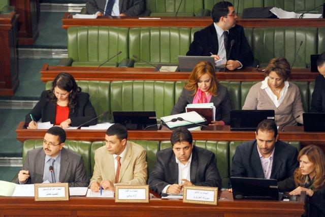 Le nouvelle constitution doit obtenir les votes des... (PHOTO FETHI BELAID, AFP)
