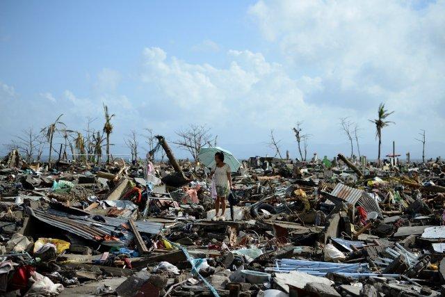 Quelque 8000 personnes sont mortes ou portées disparues... (PHOTO NOEL CELIS, Archives AFP)