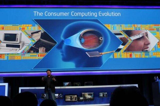 «Nous allons rendre l'interaction homme-ordinateur naturelle, intuitive, immersive.... (PHOTO TIRÉE DE TWITTER)