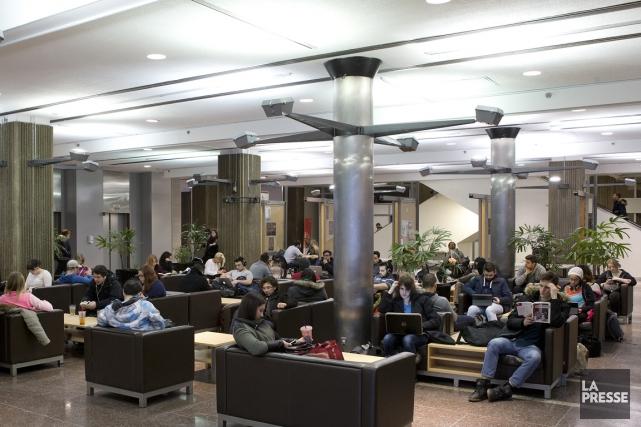 Le taux d'obtention de diplôme des étudiants de... (PHOTO ROBERT SKINNER, LA PRESSE)