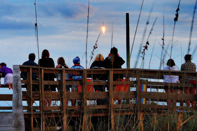 La société américaine Space Exploration Technologies (SpaceX) a lancé lundi... (Photo: AP)