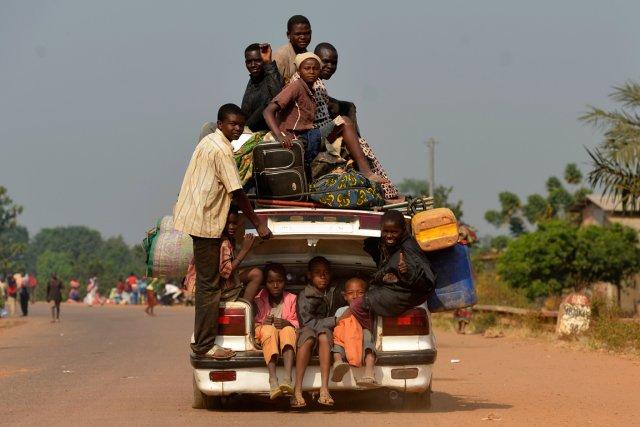 Comme de nombreux Banguissois, les fonctionnaires ont souvent... (PHOTO MIGUEL MEDINA, AFP)