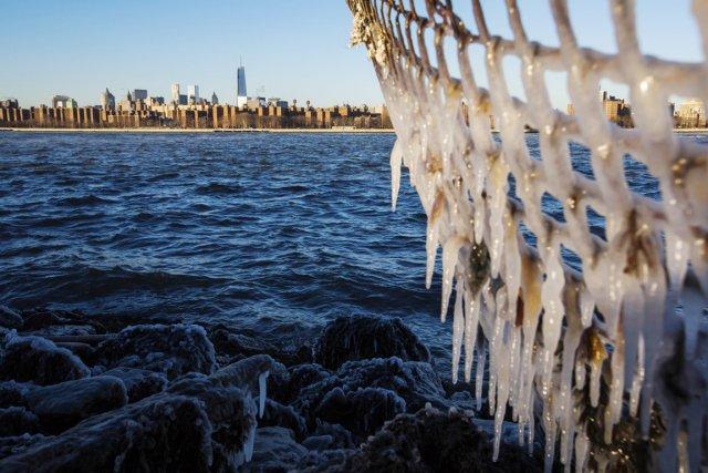Cette température a été enregistrée à 7h58, battant... (PHOTO LUCAS JACKSON, REUTERS)