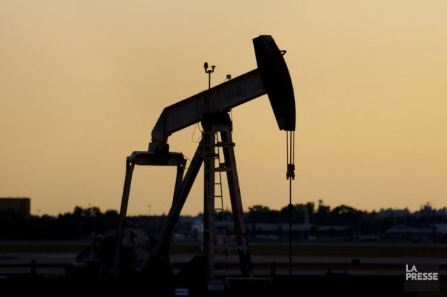Les cours du pétrole ont fini en légère hausse mercredi à New York, aidés par... (Photo François Roy, Archives La Presse)