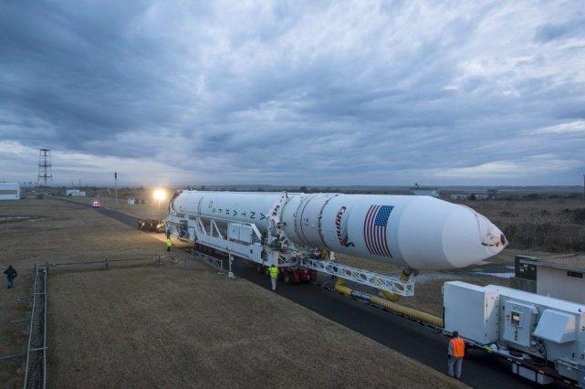 Le décollage de la fusée Antares, qui transporte... (Photo NASA/Bill Ingalls, AP)