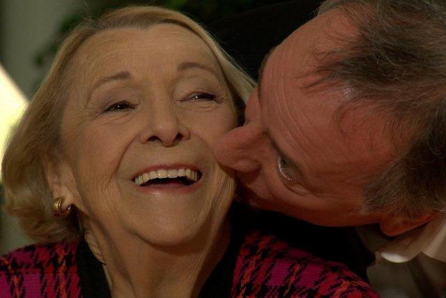 Lise Payette et Benoît Dutrizac aux Francs-tireurs.... (Photo: fournie par Télé-Québec)
