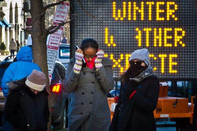Une vague de froid polaire frappe présentement la... (Photo Mladen Antonov, AFP)