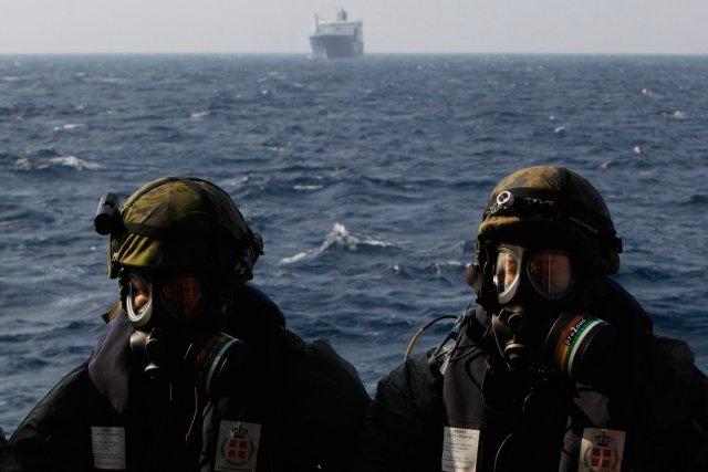 Le premier chargement d'agents chimiques a été transporté... (PHOTO PETROS KARADJIAS, AP)