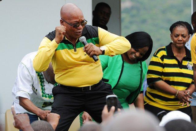Dans ce style combatif et populiste qui le... (PHOTO AFP/STRINGER)