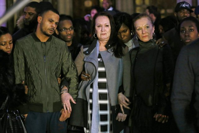 La famille de Mark Duggan devant le tribunal... (PHOTO STEFAN WERMUTH, REUTERS)