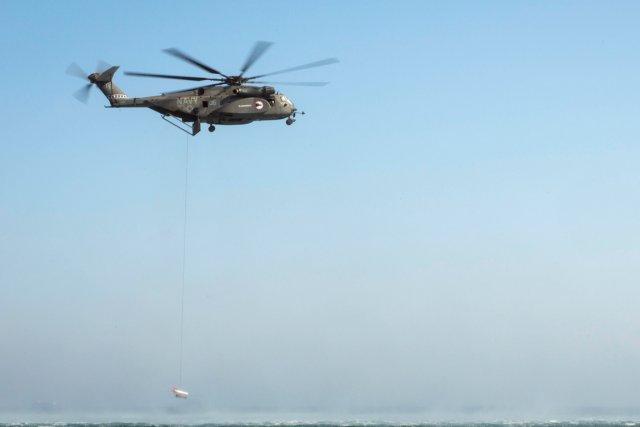L'appareil, un MH-53E Sea Dragon, s'est écrasé pour... (PHOTO ARCHIVES AFP)
