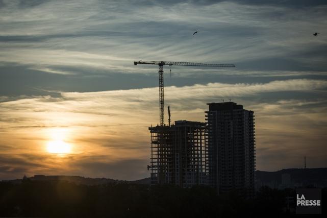 De nombreux chantiers de gratte-ciels transformeront le paysage... (Photothèque La Presse)