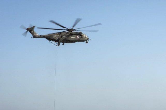 Un MH-53 Sea Dragon, semblable à celui qui... (Photo AFP)